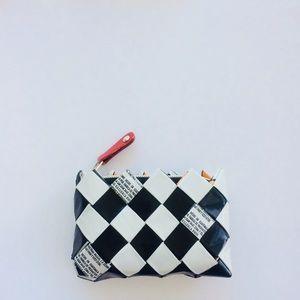 Checker wrapper Zip Pouch